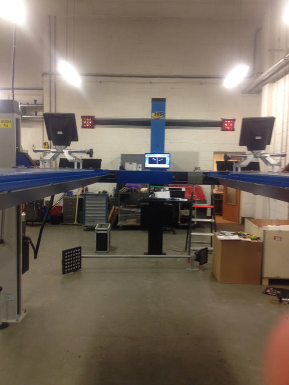 Установка стенда развал-схождения 3 D С800 HPA в паре с четырехстоечным подъемником OMA во Львове