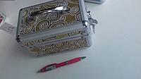 Шкатулка небольшего размера для украшений на ключе