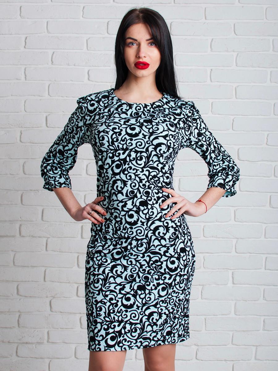 Нарядное женское платье с узором