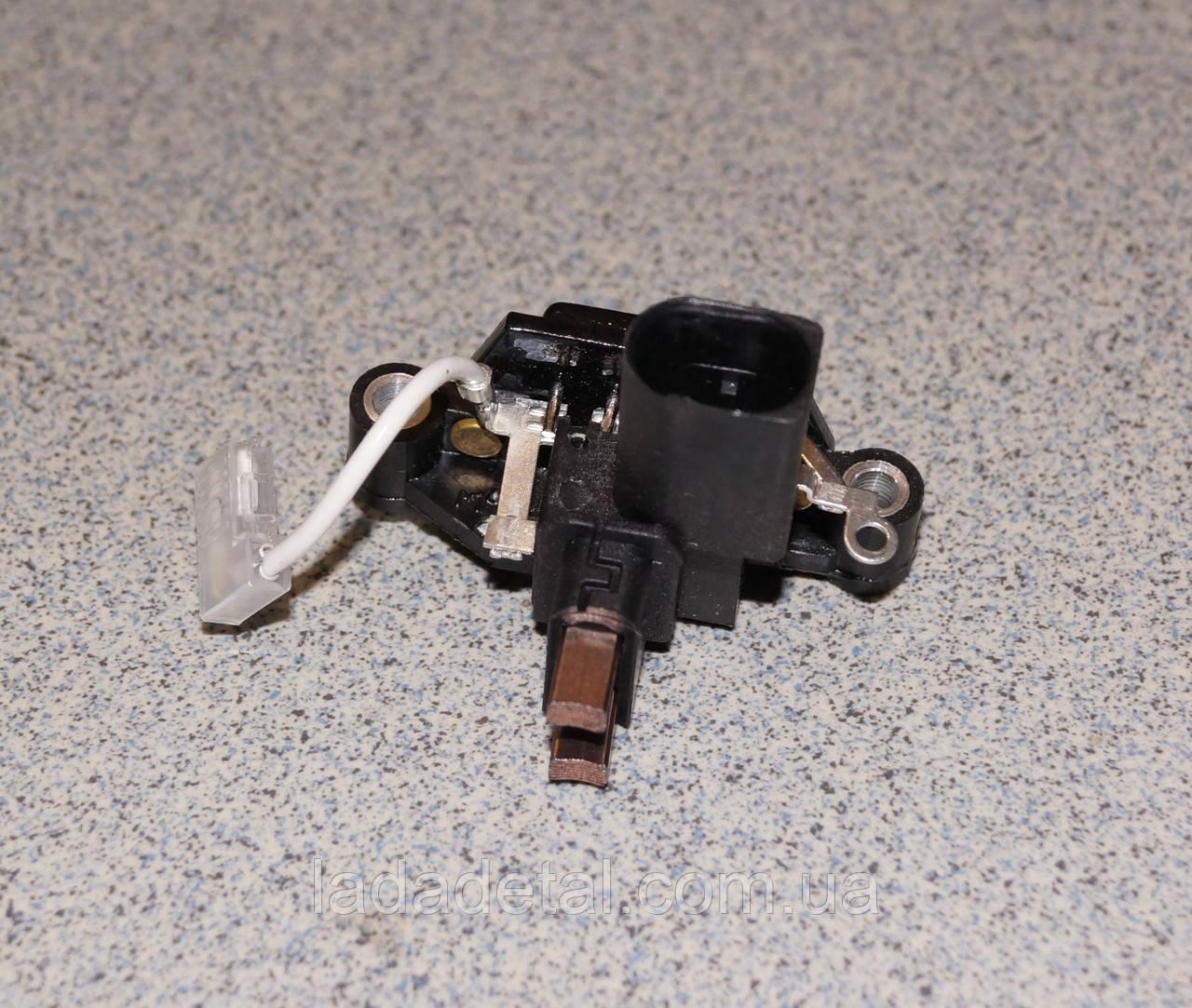 Регулятор напряжения (щеточный узел) ВАЗ 2110-12 ЭЛТРА 848.3702