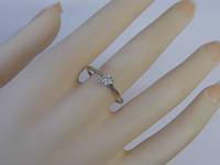 Золотое кольцо с белым бриллиантом 0,25к