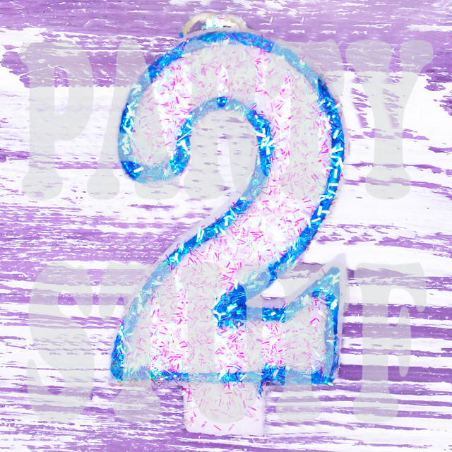 Свеча-цифра голубая 2