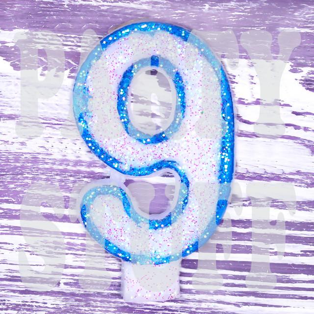 Свечи-цифры голубые 9