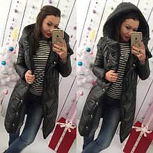 Утепленное женское пальто с капюшоном