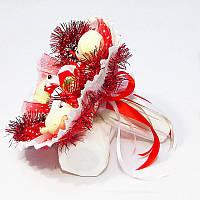 Букет из игрушек и конфет Мишки новогодний