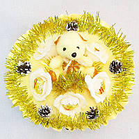 Букет из игрушек Мишка с конфетами новогодний