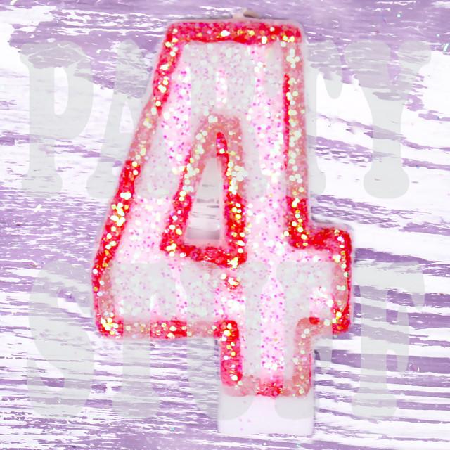Свеча цифра красная 4