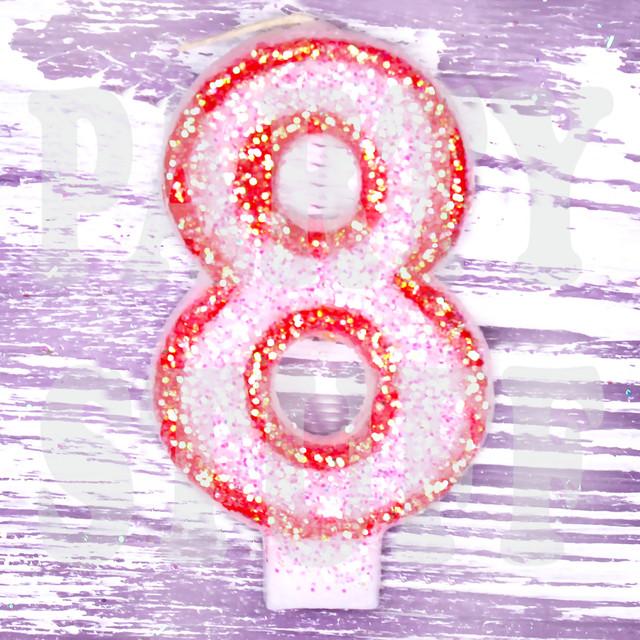 Свечи в торт цифра 8