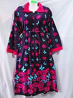 Женский велюровый халат больших размеров с красивым рисунком из цветов и бабочек, без капюшона