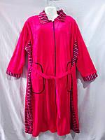 Женский велюровый халат-батал с отложным воротником и аппликацией из мелких стразов на груди