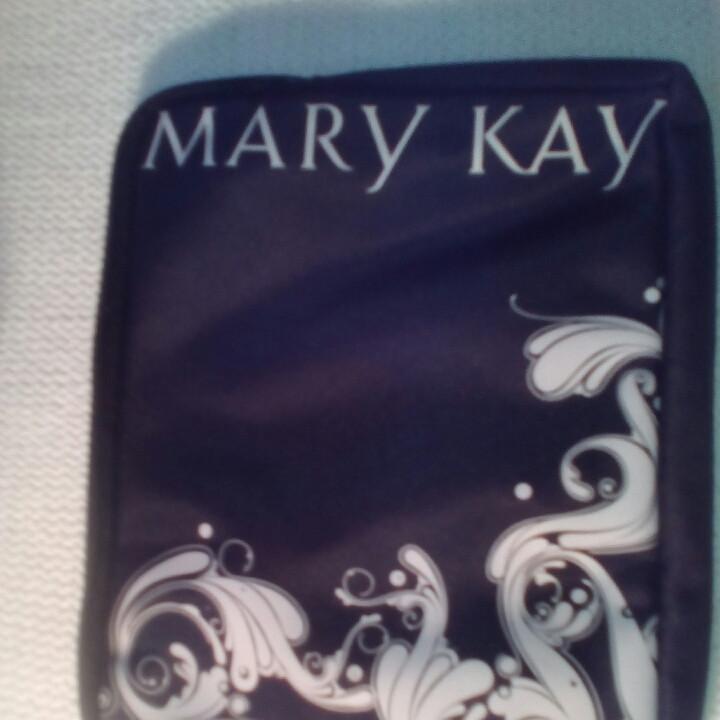 Косметичка черная с белым орнаментом чехол (Америка)