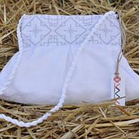 Белый клатч с вышивкой для девочки
