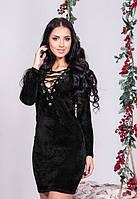 Женское велюровое платье с красивым вырезом декольте длинный рукав черное до средины бедра