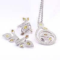 Золотое кольцо с бриллиантом, кулон, серьги
