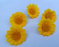 Цветки ромашки, тканевые желтые