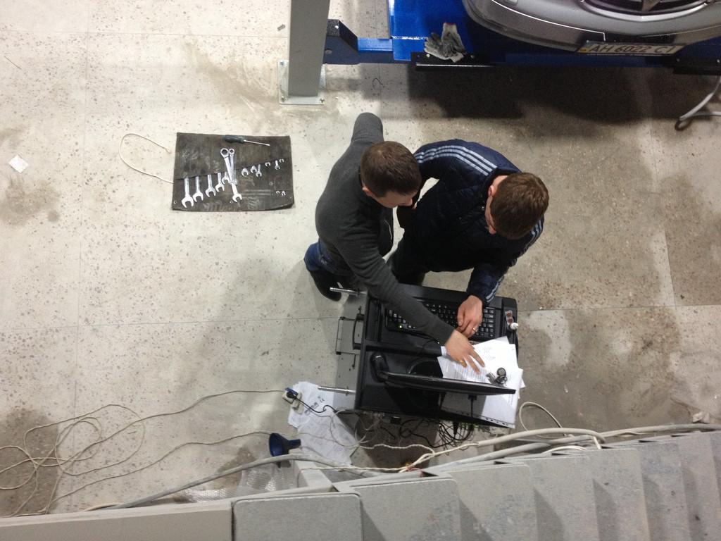 Установка стенда развал-схождения С 200 HPA в паре с четырехстоечным подъемником OMA в Жданово 18