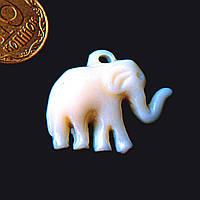 Кулон пластик под слоновую кость Слон