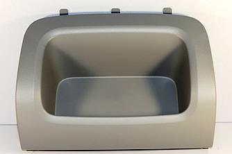 Лоток передней панели (сторона пассажира) на Renault Trafic 2001-> — Renault (Оригинал) - 8200933917