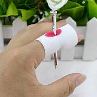 Кровавый палец с гвоздем для розыгрыша