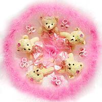 Букет из мягких игрушек Мишки с розовым лебединым пухом