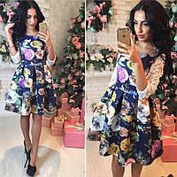 Платье из неопрена с гипюровыми рукавами в цветочный принт SMok981