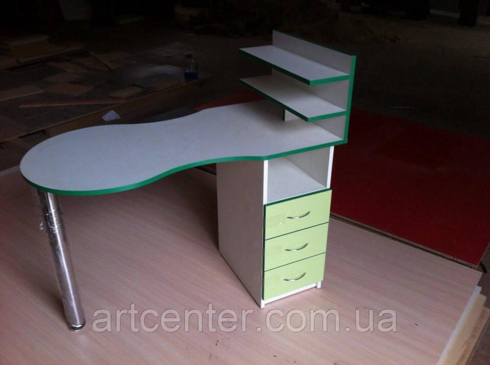 Маникюрный стол двухцветный салатовый с белым,   с полочками без бортиков