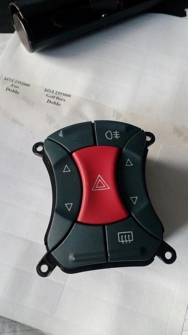 Б/у кнопка аварийки 735297541 Fiat Doblo