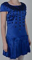 Женское атласное платье синего цвета