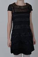 Молодежное платье классического черного цвета