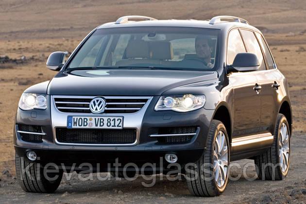Лобовое стекло на Volkswagen Touareg 2002-09 г.в.