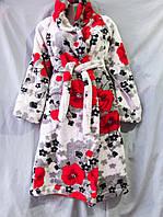 Женский халат из вельсофта на запах с капюшоном, с рисунком