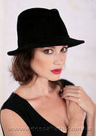 Черная шляпа  из  фетра с полями под мужской стиль