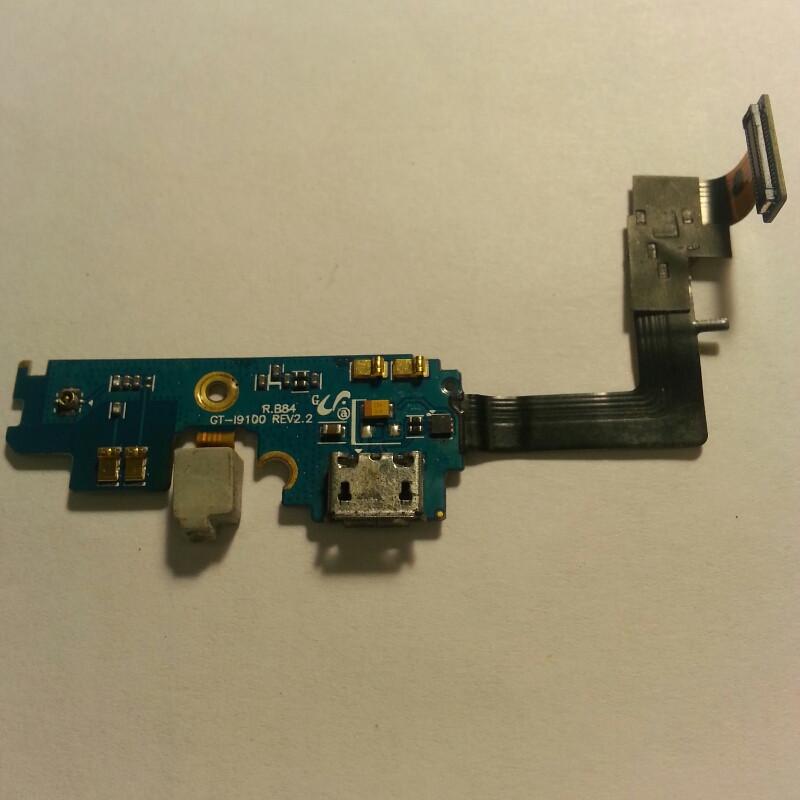 Шлейф для Samsung i9100 Galaxy S2 коннектора заряда,микрофона с компонентами(оригинал б/у)