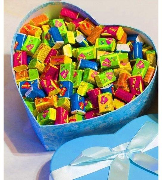 Жвачки Love is в коробочке 100 шт