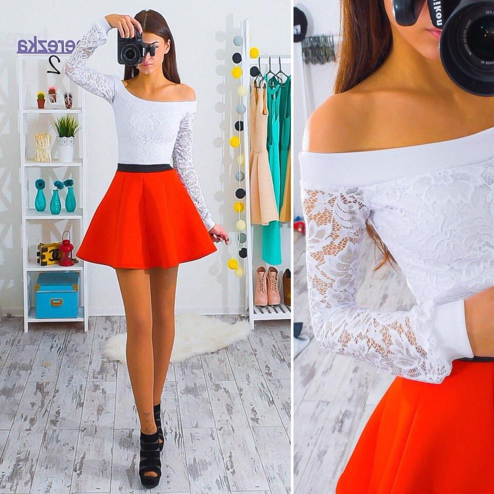 Костюм юбка неоприн блуза гипюр.