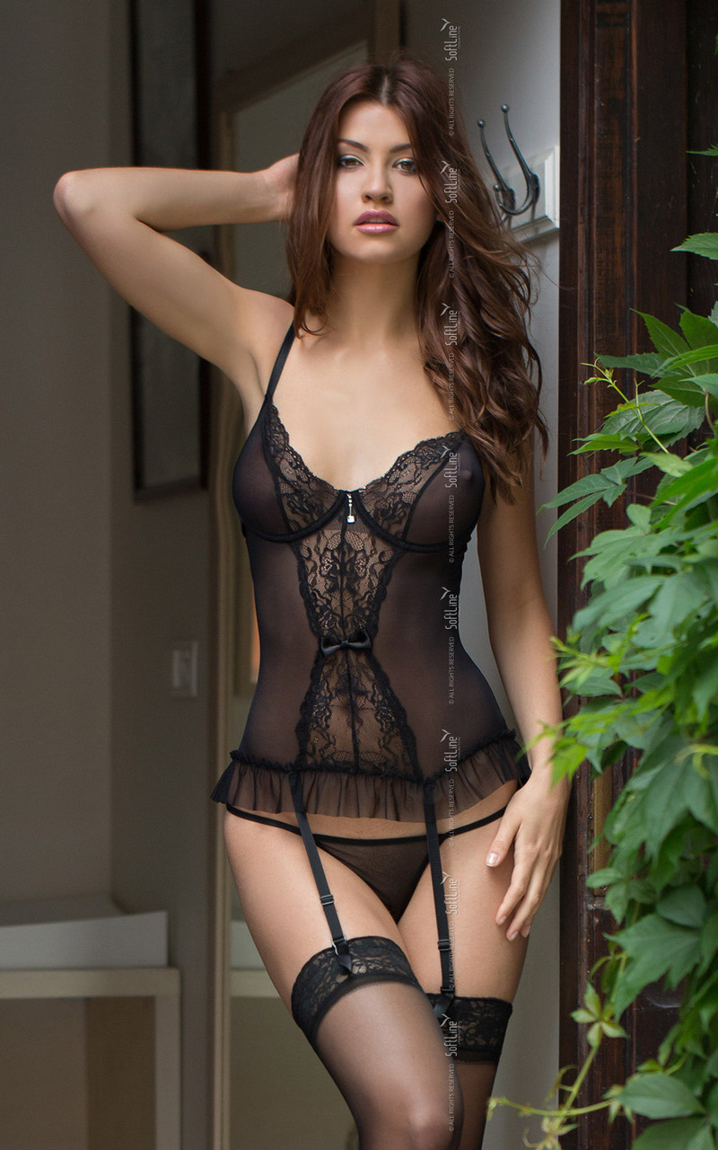 Pictures of black breasts in lingerie — photo 7