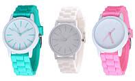 Женские часы с силиконовым браслетом