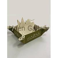 """Комплект подарунковий з вишивкою """"Сузір'я"""" оливковий(цукерниця 35*35 см -1 шт., серветки 35*35 см -4 шт.)"""