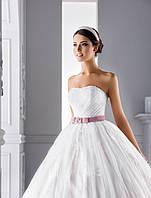 """Изысканное свадебное платье силуэта """"Принцесса"""" с нежной драпировкой на корсете"""