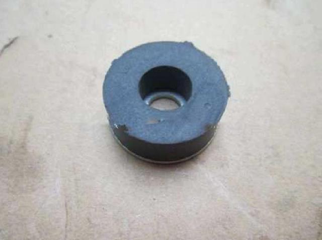 Виброизолятор, изолятор вибрации клапанной крышки CUMMINS (3899798)