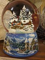 Музыкальный снежный шар сани едут через мост