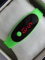 Спортивные наручные led часы в виде браслета салатового цвета , фото 1