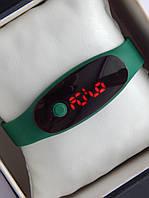 Спортивные наручные led часы в виде браслета зеленого цвета, фото 1