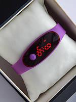Спортивные наручные led часы в виде браслета фиолетового цвета, фото 1