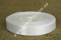 33683100 Лента атласная белая в рулоне, ширина ~ 1,2 см, длина ~ 23 м