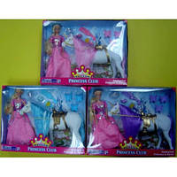 Кукла с лошадью-единорогом
