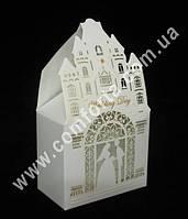 33930 Молодожены, свадебная бонбоньерка, размер ~ 13 см х 8 см х 4,5 см, коробочка для конфет