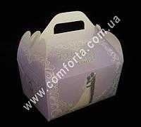 33943 Молодожены, коробка для каравая сиреневая, размеры ~ 15,5 х 10 х 15,5 см