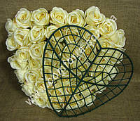 33457 Основа сердце для флористических композиций из искусственных цветов (ширина - 35 см, высота - 35 см)