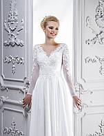 Невероятно утонченное свадебное платье в греческом стиле, которое оголяет ножку